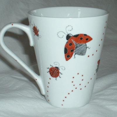 Mug déco coccinelles en porcelaine