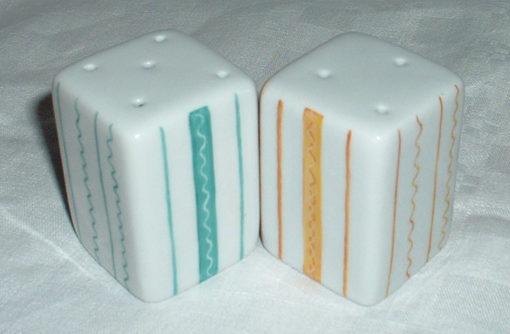 Salière poivrière en porcelaine décor rayures