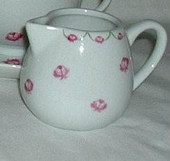 Petit pot à lait ou crème «roses»