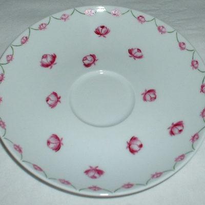 Tasse et sous tasse à thé «roses»