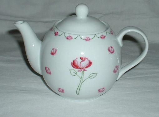 théiére motifs roses