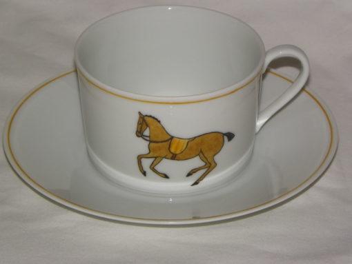 Service a the-cafe motif chevaux en porcelaine