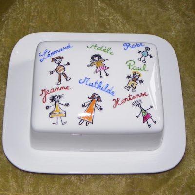 Beurrier personnalisé avec dessins d'enfants