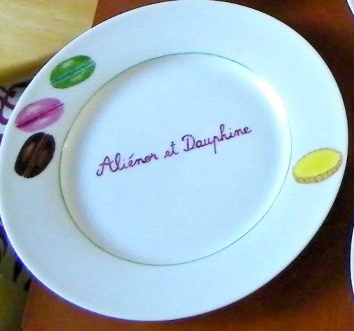 6 assiettes à dessert gâteaux et prénoms en porcelaine