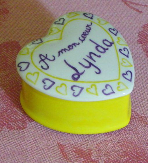 Boîte porcelaine en forme de coeur personnalisée